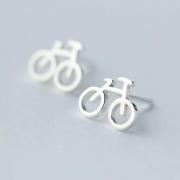 sidabriniai auskarai dviraciai