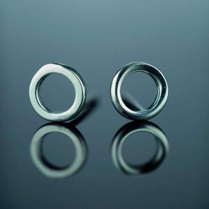 sidabriniai auskarai apskritimas