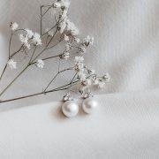 auskarai_su_perlais_white_dream